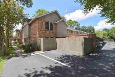 515 Tallowood Drive 58 Houston, Quaint 1-Bd Townhouse