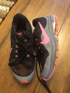Nike Sneakers - women s 7.5 (fit my daughter when she was a size 3 girls)