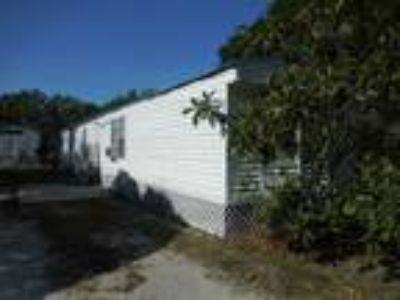 Adorable Two BR Two BA mobile home in Lutz!