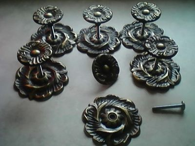 6 DRAWER PULLS WITH COMPLEMENTARY BACK PLATES