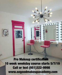 Makeup studio that offers classes