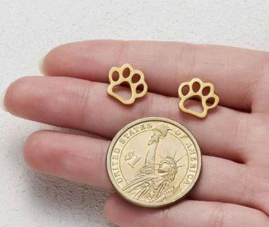 Brand new Auburn/Aubie paw stud earrings!
