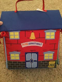 Firehouse finger puppet toy