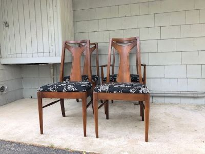 Set of 4 Midcentury Broyhill Style Dining Chairs