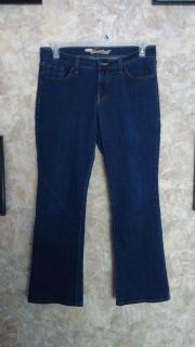 Old Navy Sweetheart Bootcut Jeans - size 8 short