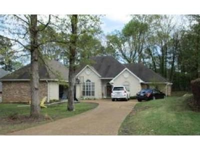 4 Bed 2.5 Bath Foreclosure Property in Madison, MS 39110 - Woodland Brook Dr