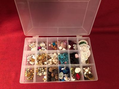 Tons of Jewelry Making Stuff. Includes 11 x 7 x 2 Storage Container. New