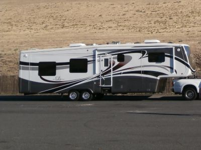 2012 DRV MOBILE SUITES 38RESB3