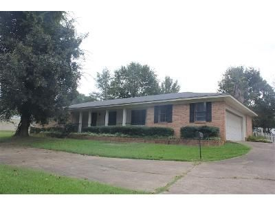 3 Bed 2 Bath Foreclosure Property in Carthage, MS 39051 - Northwest St