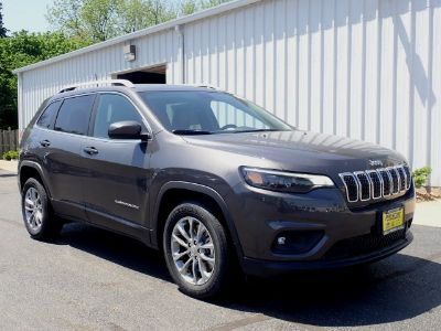 2019 Jeep Cherokee Latitude Plus (Crystal Metallic)