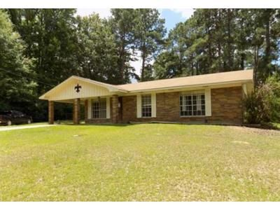 3 Bed 2 Bath Foreclosure Property in Dry Prong, LA 71423 - Highway 1241