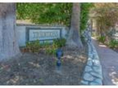 Immaculate Traditions Townhome in Moorpark