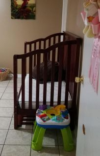 Covertable crib/toddler bed