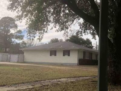 3 Bed 2 Bath Foreclosure Property in Shreveport, LA 71103 - Holcomb Dr