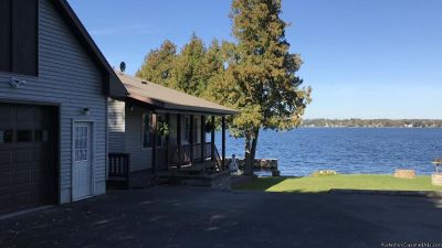 St Lawrence River front Home