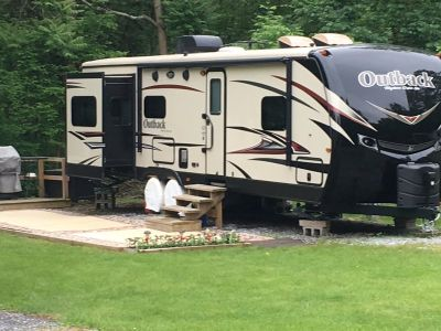 2016 Keystone Outback Ultra-Lite 298 RE