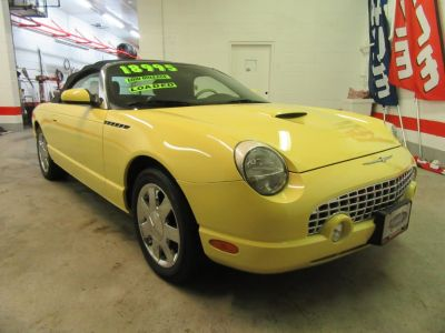 2002 Ford Thunderbird Deluxe (Inspiration Yellow)