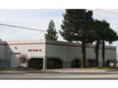 Rocklin, 1,920 SF Office / Tech Space 1 grade-level door