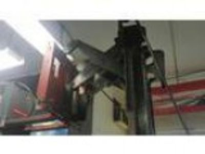 SCISSORING FORKLIFT FOOT LIFT CAPACITY WITH H Scissoring Fork