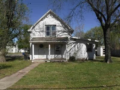3 Bed 1.5 Bath Foreclosure Property in Abilene, KS 67410 - NW 2nd St