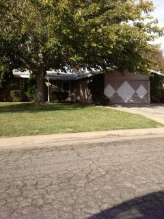 military owned house for rent in Lancaster, CA 3 bedroom, 2 bath, 30 miles away from base