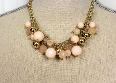 "NWOT Gold Tone Chain 16"" Chunky Ivory Peach Pink White Bib Strand Necklace Statement"