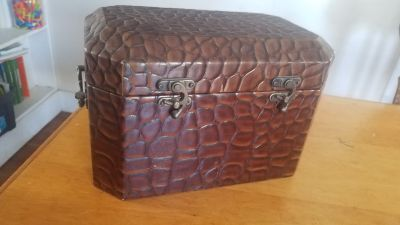 "8"" x 13"" Decorative Locking Chest"