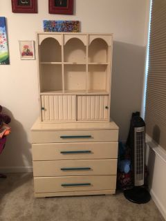Farmhouse Chest of drawers and hutch