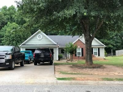 4 Bed 2 Bath Preforeclosure Property in Cumming, GA 30040 - Glenwood Cir