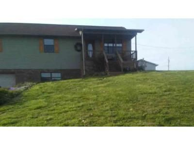 3 Bed 1 Bath Foreclosure Property in New Tazewell, TN 37825 - Melody Ln
