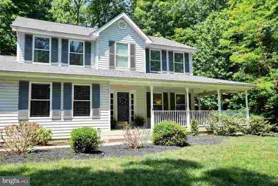 5875 Gary Dr WELCOME Five BR, This beautiful three story
