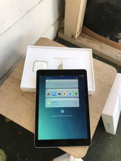 IPad Pro 9.7 Inch 32Gb Space Gray Practically New With Box And Charger, For Sale $500 In Escondido Cross Posted