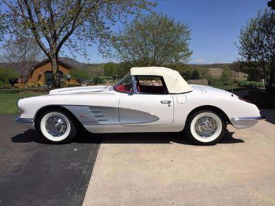 1960 Chevrolet Corvette Convertible Soft Top (Ermine White)