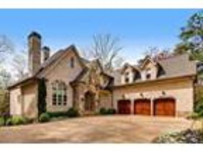 Custom Home in Chastain Park! - RealBiz360 Virtual Tour