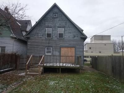 3 Bed 1 Bath Foreclosure Property in Toledo, OH 43611 - N Summit St