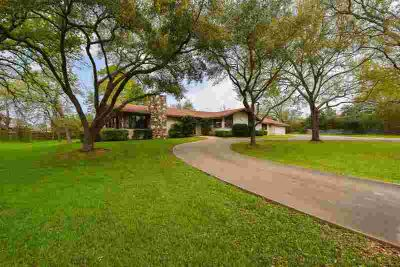 1514 Hwy 159 W Bellville Three BR, One story ranch style home