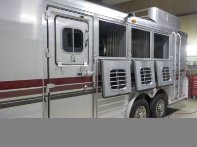 2001 4Star 14' LIVING QUARTERS 4-HORSE