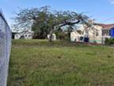 Residential/Duplex Land @ SW 16 St