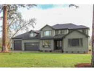 104 River Club Dr