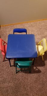 Kids Card Table and Chairs