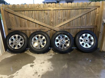 Ford F-250 Stock Wheels and Tires