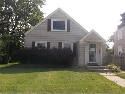 4 Bed 2 Bath Foreclosure Property in Milwaukee, WI 53215 - S 21st St