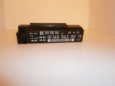 Sell 1991-1998 MERCEDES-BENZ 300SE W140 S WINDSHIELD WIPER RELAY OEM/WARRANTY motorcycle in North Miami Beach, Florida, US, for US $54.88