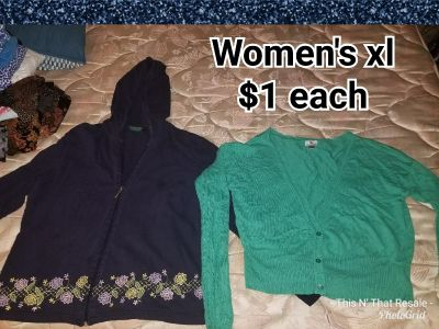 Women's sz xl hoodie and sweater