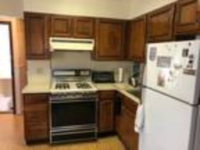 Glen Cove Apartment For Rent/Near Train And Colleges