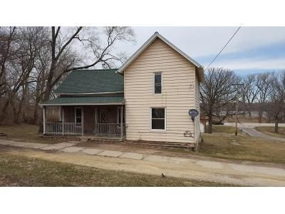 4 Bed 1 Bath Foreclosure Property in Albany, IL 61230 - N Church St