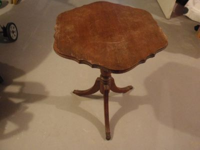 Vintage 3 Leg Pedestal End Occasional Table Most Likely Mahogany