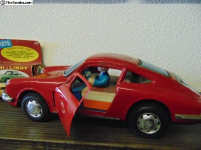 Bandai Porsche with Battery Operated Opening Doors
