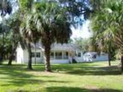 10 Acres of Old Florida Charm