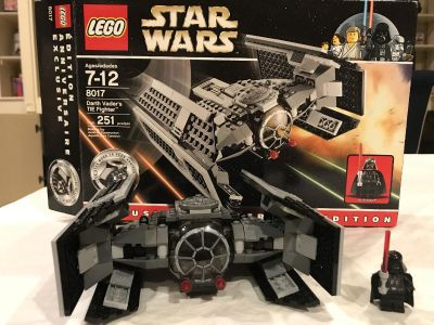 LEGO Star Wars set - includes all pieces, minifigures, and box